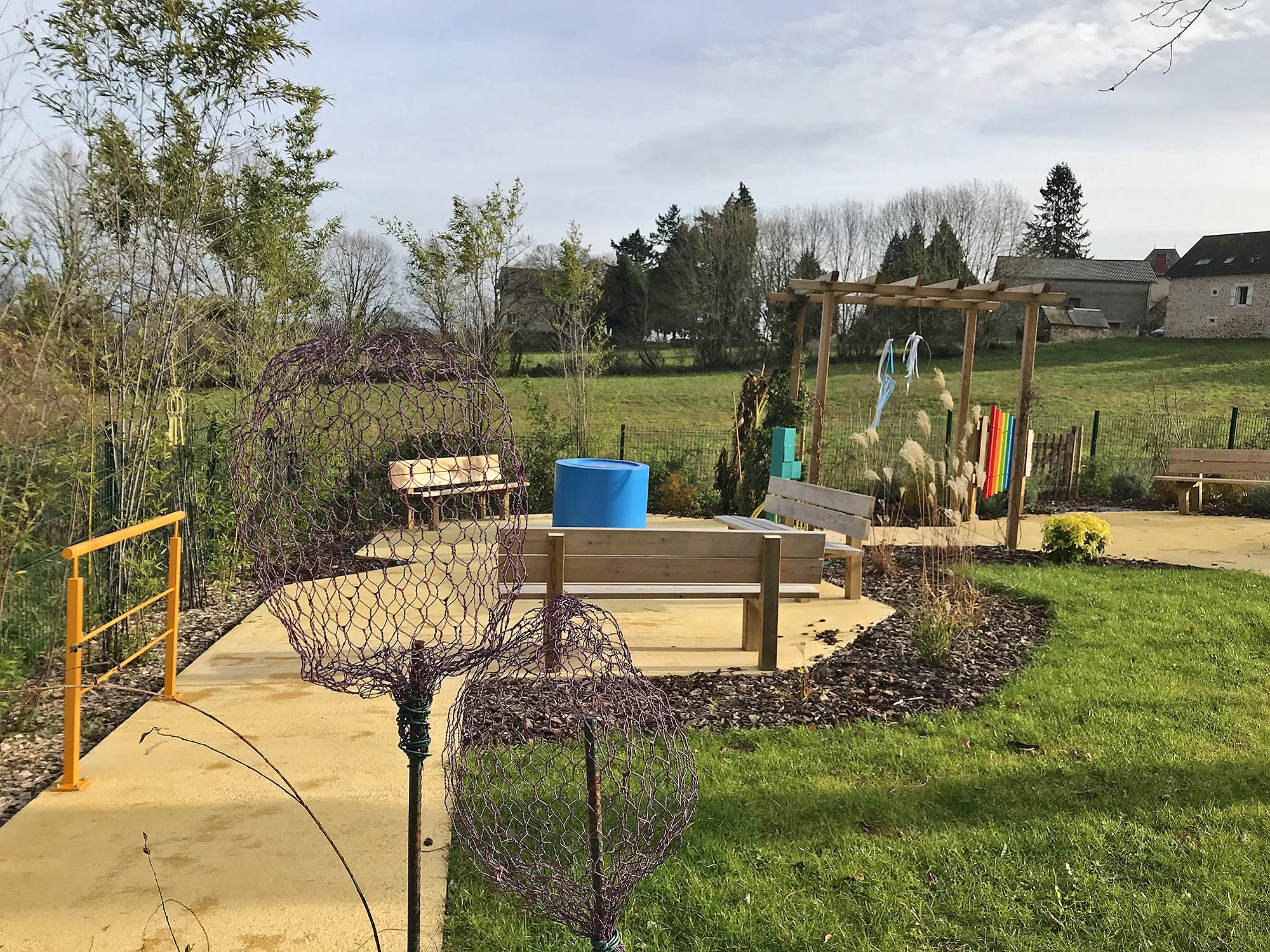Faire le plein de nature pour se resourcer au sein du jardin thérapeutique du MAS de Sainte-Féréole